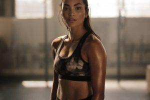 בגדי ספורט לנשים: היכן למצוא בגדים נוחים ומעוצבים עבור נשים?